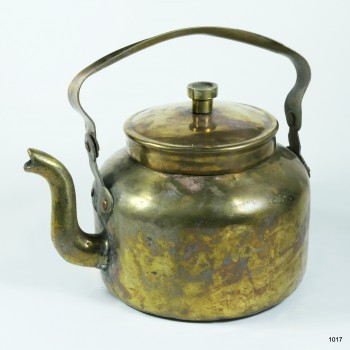 Чайник медный старый объемом 1,3 литра